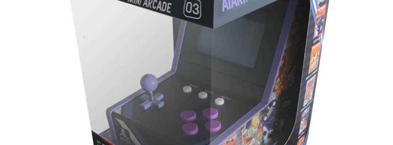 La collection de mini bornes d'arcade s'agrandit avec Asteroids, la troisième borne de poche Atari